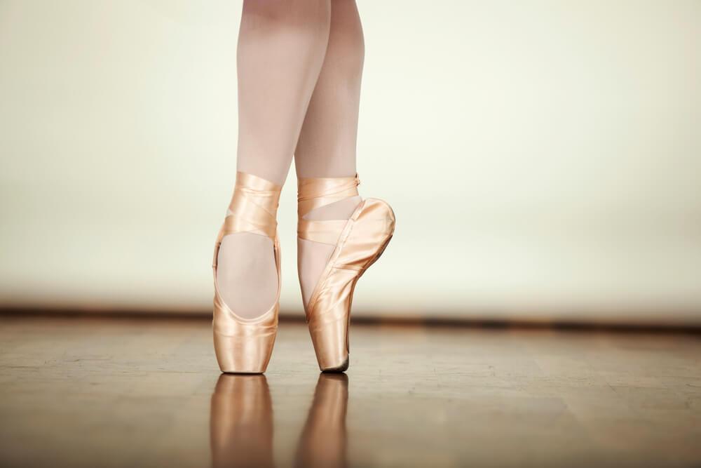 fdfd91e0de Como escolher sapatilhas de bailarina