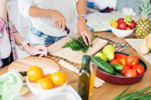 alimentacao-balanceada-e-dieta-restritiva-qual-e-mais-milagrosa