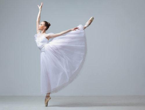 293895-adagio-no-ballet-saiba-como-esse-passo-e-feito