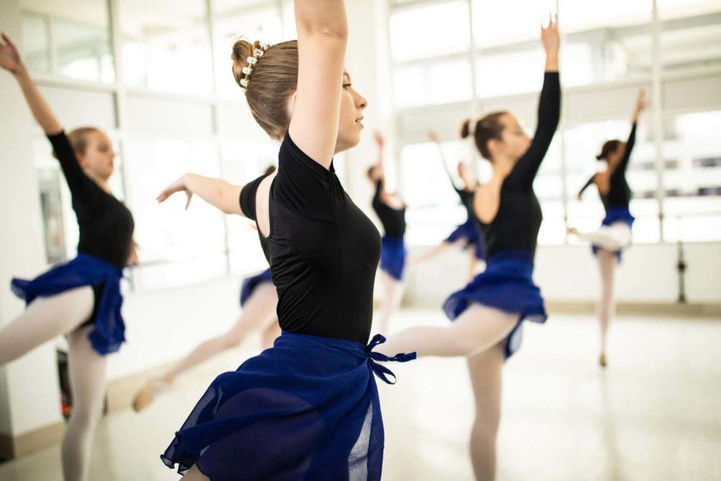 305967-como-se-tornar-a-melhor-escola-de-ballet-do-mundo-saiba-mais