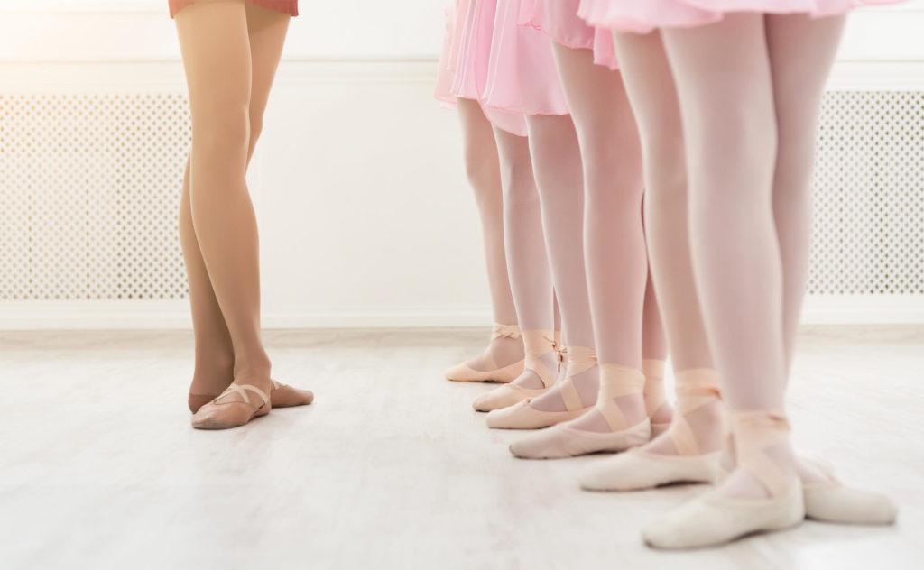 304462-redacao-urgente-prazo-168-10-h-o-que-e-plie-no-ballet-e-quais-os-tipos-desse-passo