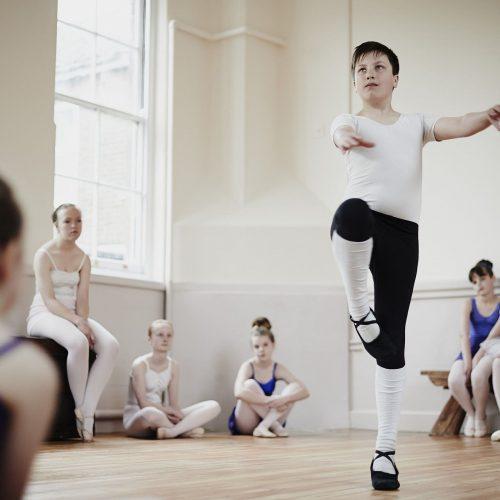 Entenda como o ballet influencia no desenvolvimento da criança