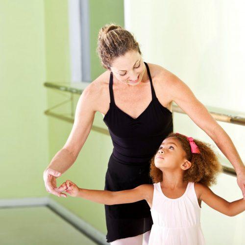 Entenda como o ballet ajuda no desenvolvimento da criança e quais seus benefícios