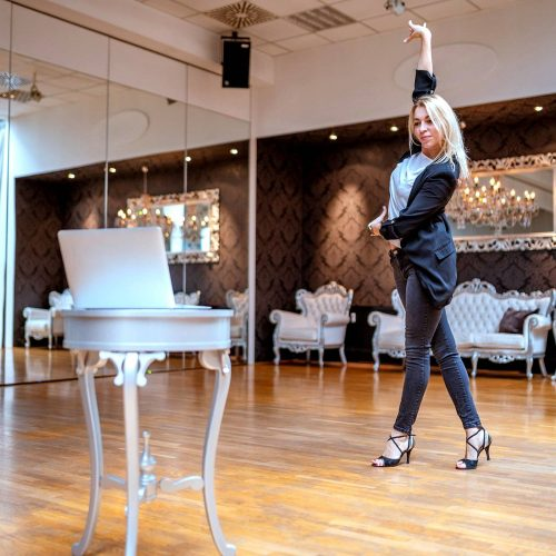 Como dar aula de dança pela internet? Veja 4 dicas ideais!