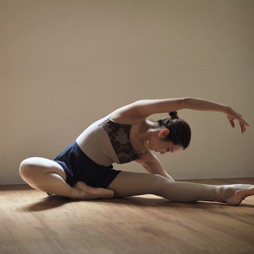 Descubra agora como melhorar a elasticidade do corpo para a dança