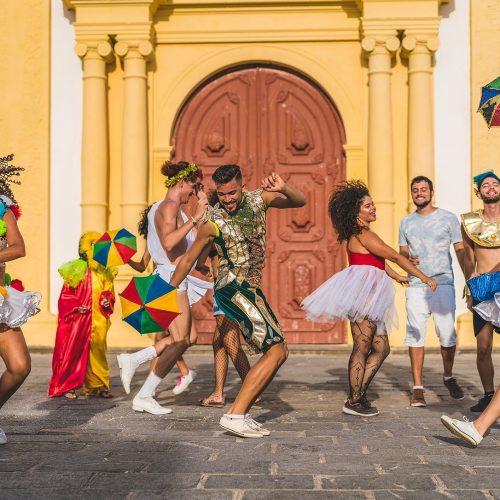 4 danças tradicionais brasileiras que você não pode deixar de conhecer
